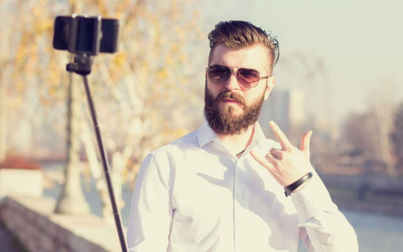 Most Popular And Pleasant Ways To Take A Selfie